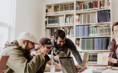 Hoe implementeer je een vijfsterren werkplek die mensen sociaal verbindt